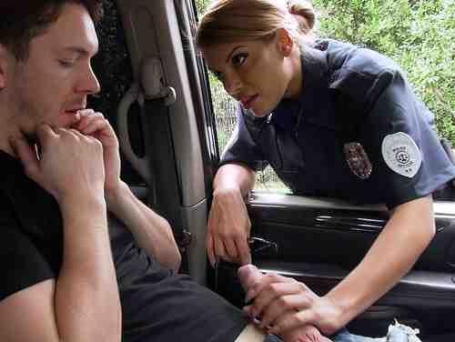 Mercedes Carrera Masturbando Um Rapaz Dentro Do Carro