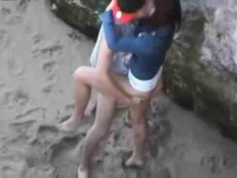 Novinha Flagrada Dando Na Praia